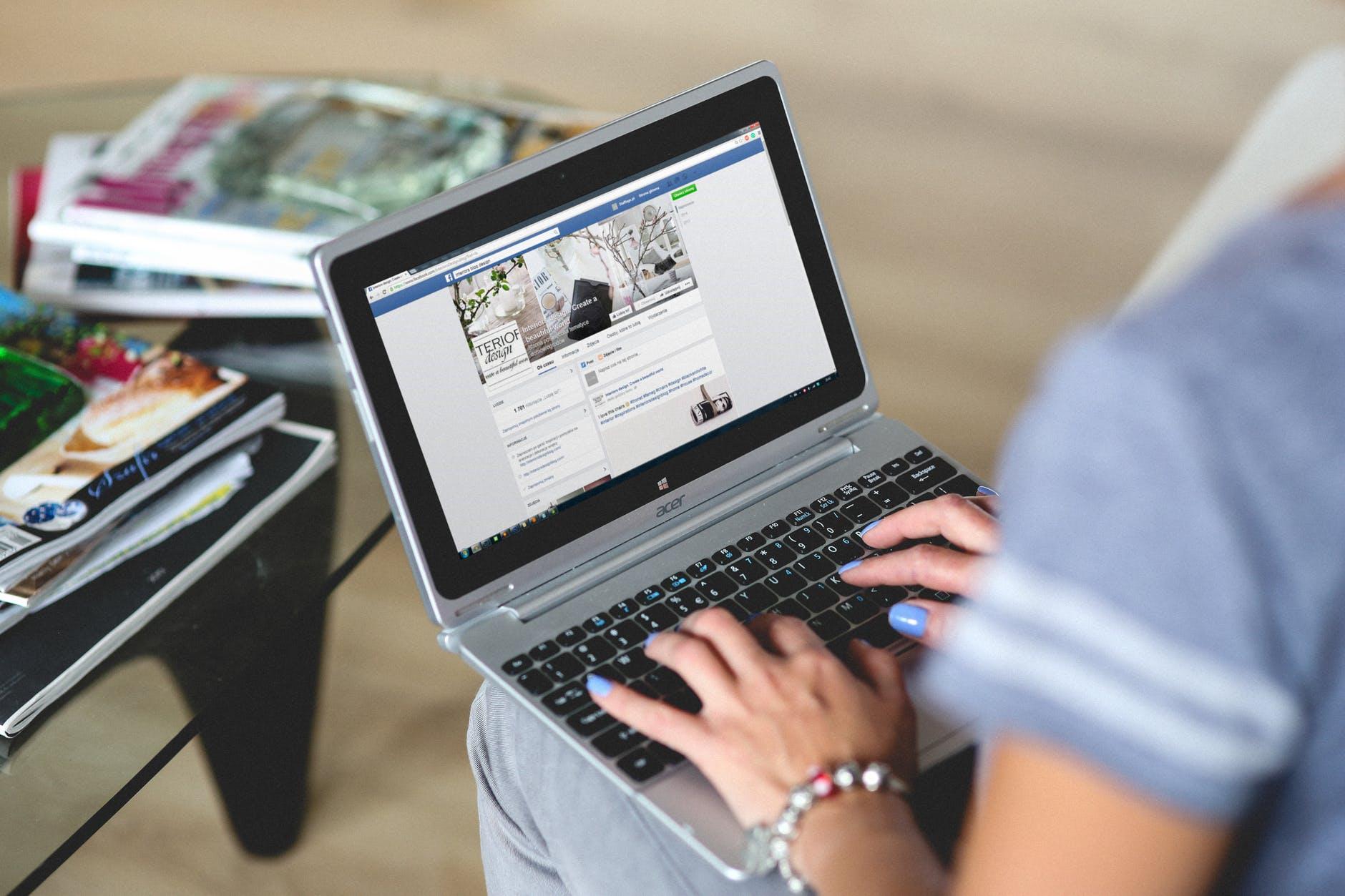 marketing-digital-facebook-robotizaçao-midias-sociais-joinville-suelen-correa